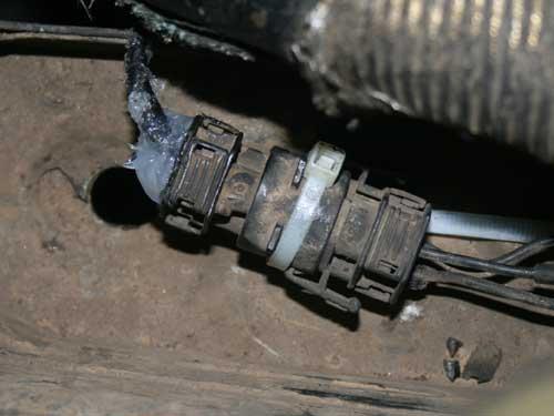 Konektor kabel kompresor